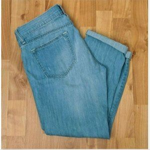 Old Navy Distressed Cuffed Hem Cropped Jeans